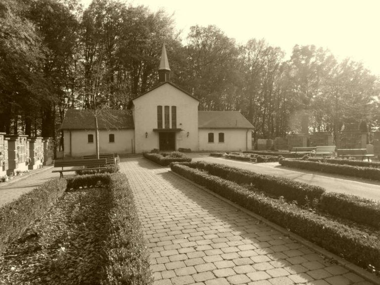 Dedication hall Friedhof Friedrichsthal