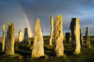 Regenbogen über dem Steinkreis von Callanish