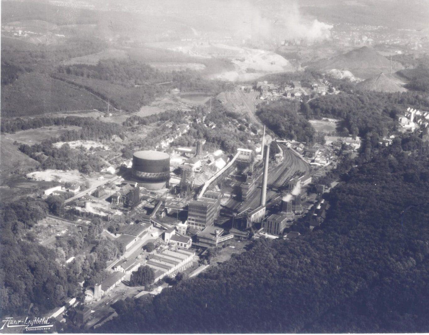 Luftaufnahme Kokerei Heinitz 1961-RAG-Archiv Saar 001