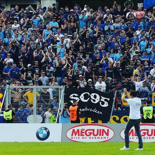 Dirk Lottner vor den Fans