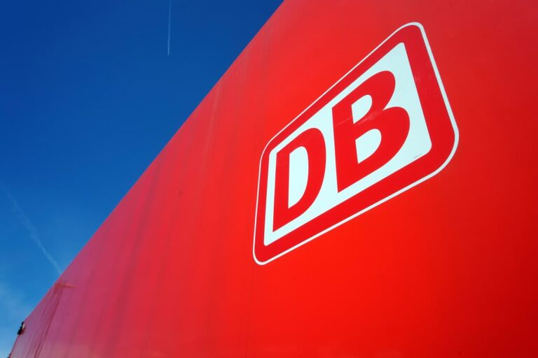 DB-Logo an einer Vectron