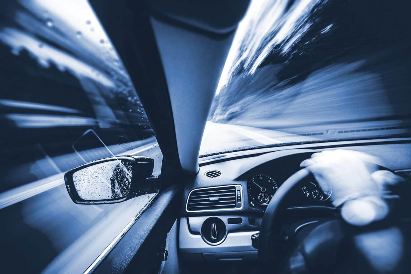 Junge Autofahrer aufgepasst: Sonderbedingungen im Ausland!