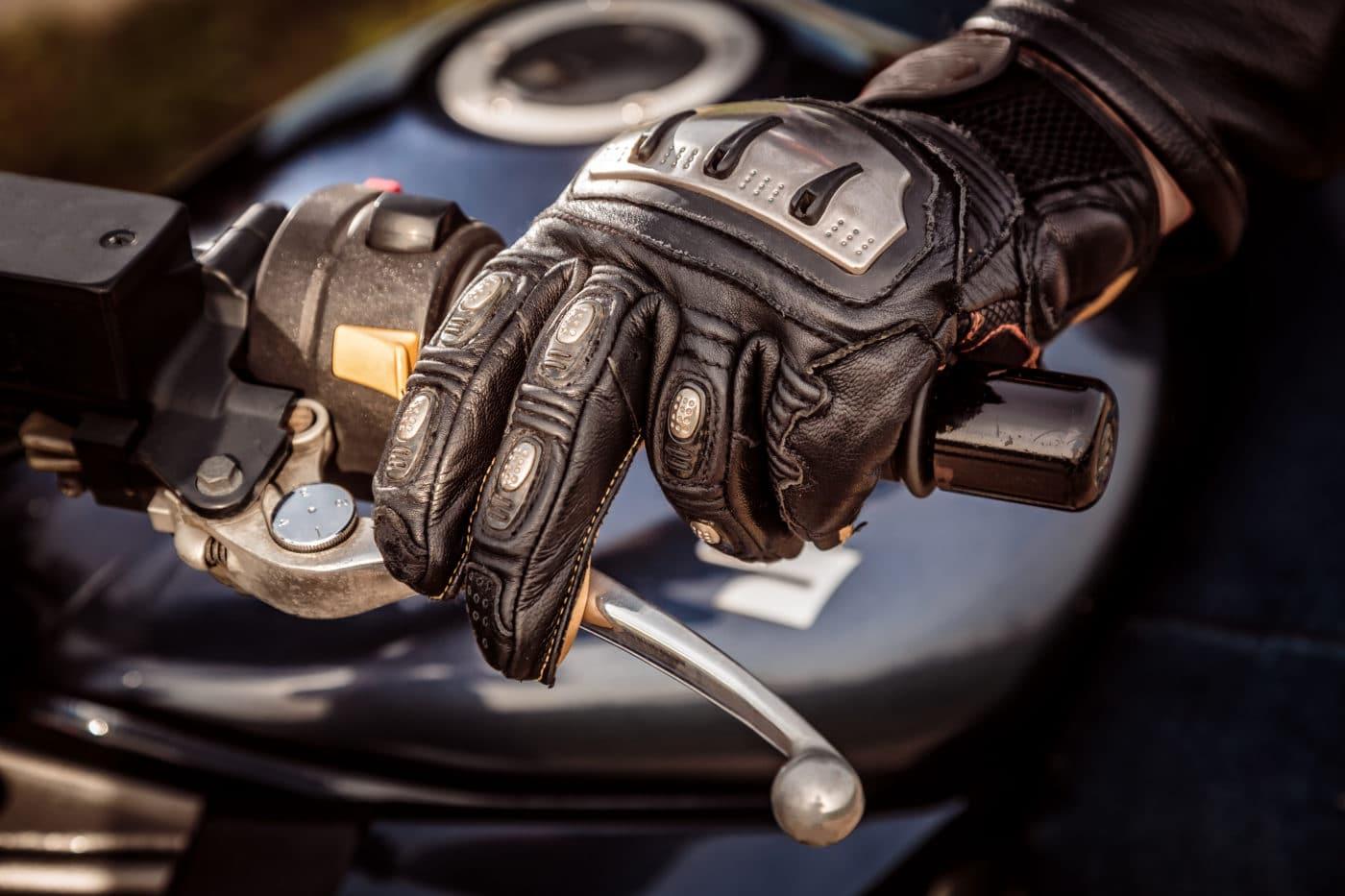 Homburg-Einöd: Motorradfahrer verletzt sich bei Unfall