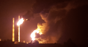 Major fire in the Bayernoil refinery, image: ILectron