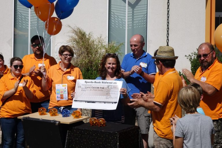 "Donation handover to ""Die Rasselbande"" 