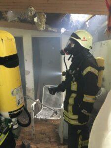 Brand in Toilettenhäusschen