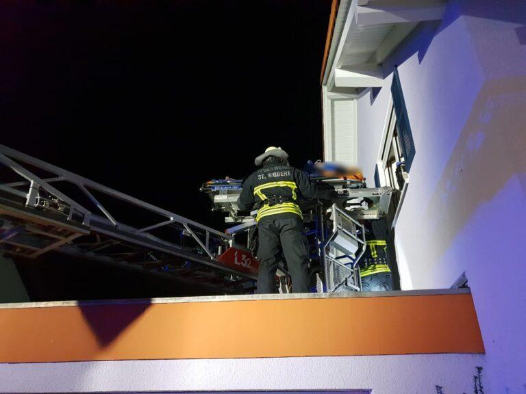 Rettung per Drehleiter | Bild: Markus Zintel / Feuerwehr St. Ingbert