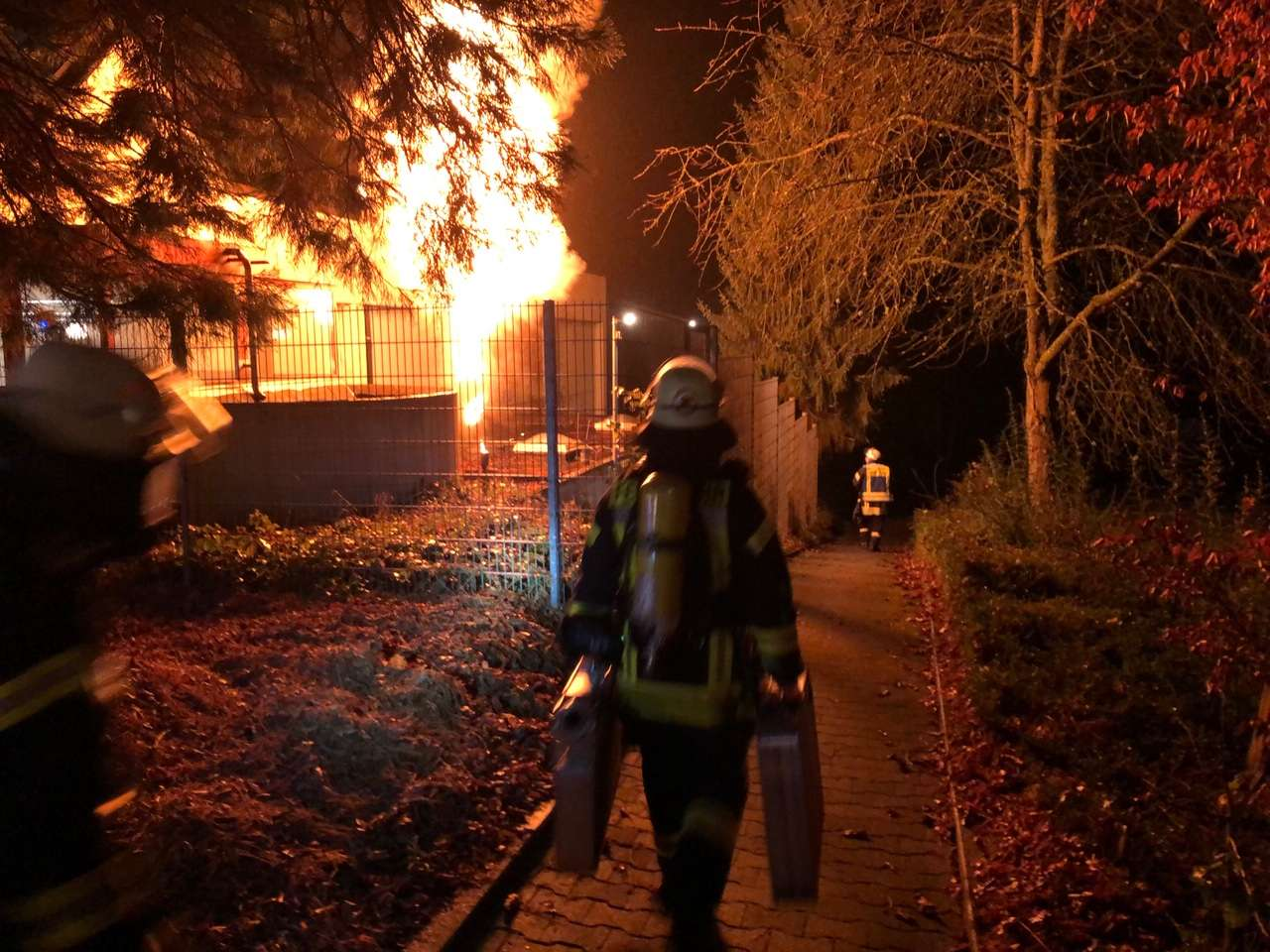 Feuerwehren Oberwürzbach und Rentrisch üben den Ernstfall