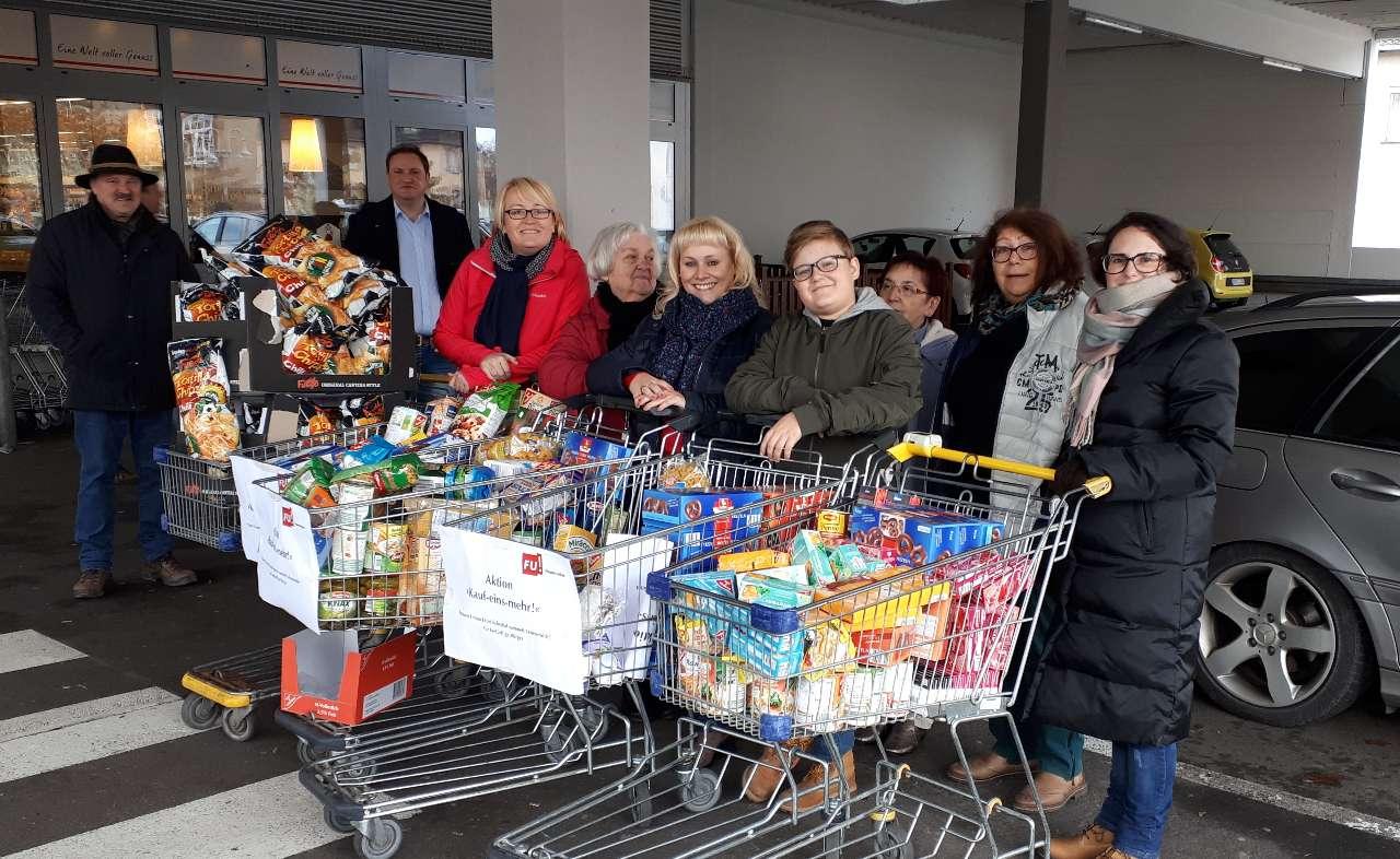 Friedrichsthal: Vier volle Einkaufswagen für Bedürftige
