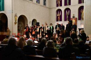 Chorformation Horizont in der Kirche St. Marien Friedrichsthal