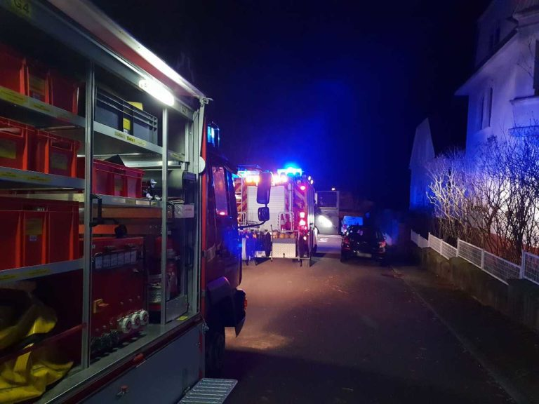 Die Helfer beim Gefahrguteinsatz | Bild: Markus Zintel - Feuerwehr St. Ingbert