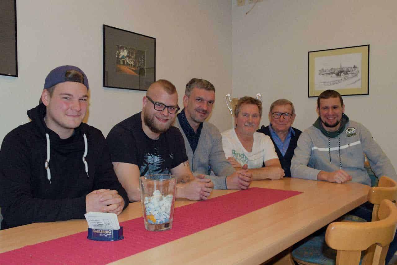 V.l.n.r.: Joshua Baltes, Keven Korb, Thomas Lauerer, Friedel Bollmann, Heinz Eigner, Erik Simon