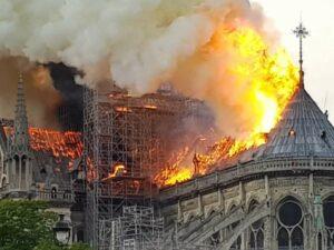 The Notre-Dame is on fire Picture: Nikolaus Kern (Twitter @KernNiko)