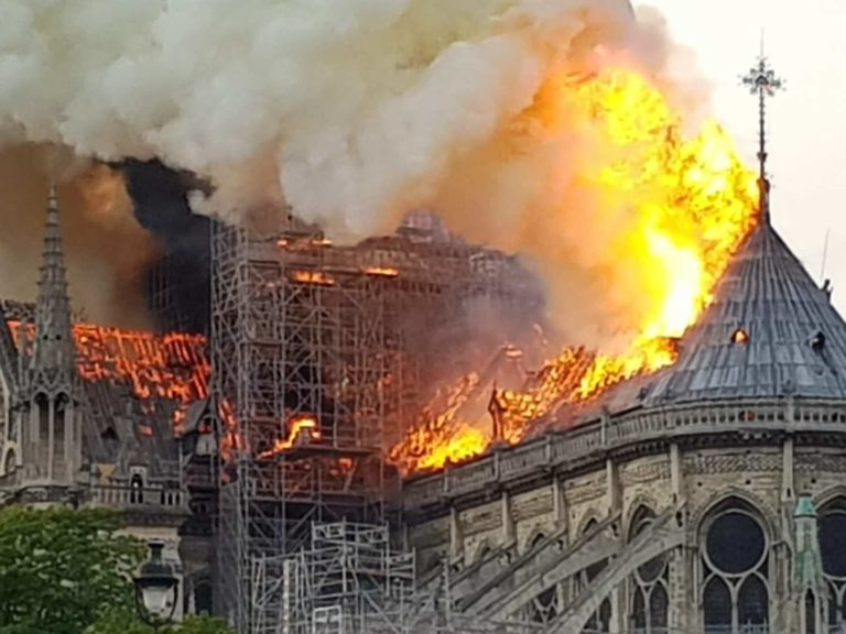 The Notre-Dame is on fire Picture: Nikolaus Kern (Twitter @KernNiko)