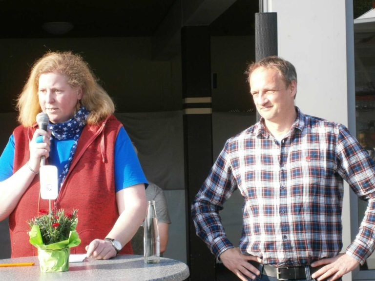 The chair of the SPD Rohrbach Herdis Behmann and the deputy district manager of verdi Christian Umlauf | Photo: Jan Diersmann