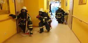 Exercise fire brigade IGB AWO