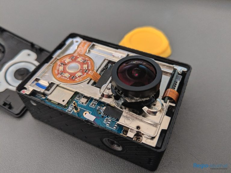 Detailed photo of the Yi 2k without front panel