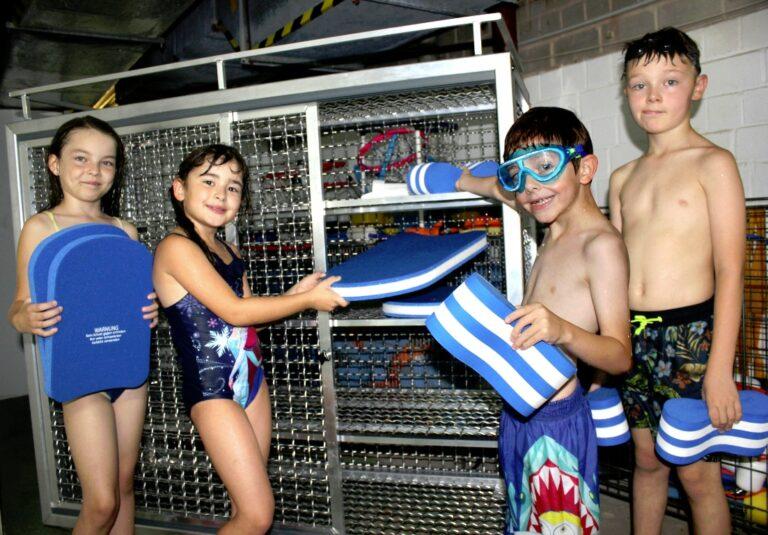 Gerätewagen Schwimmbad