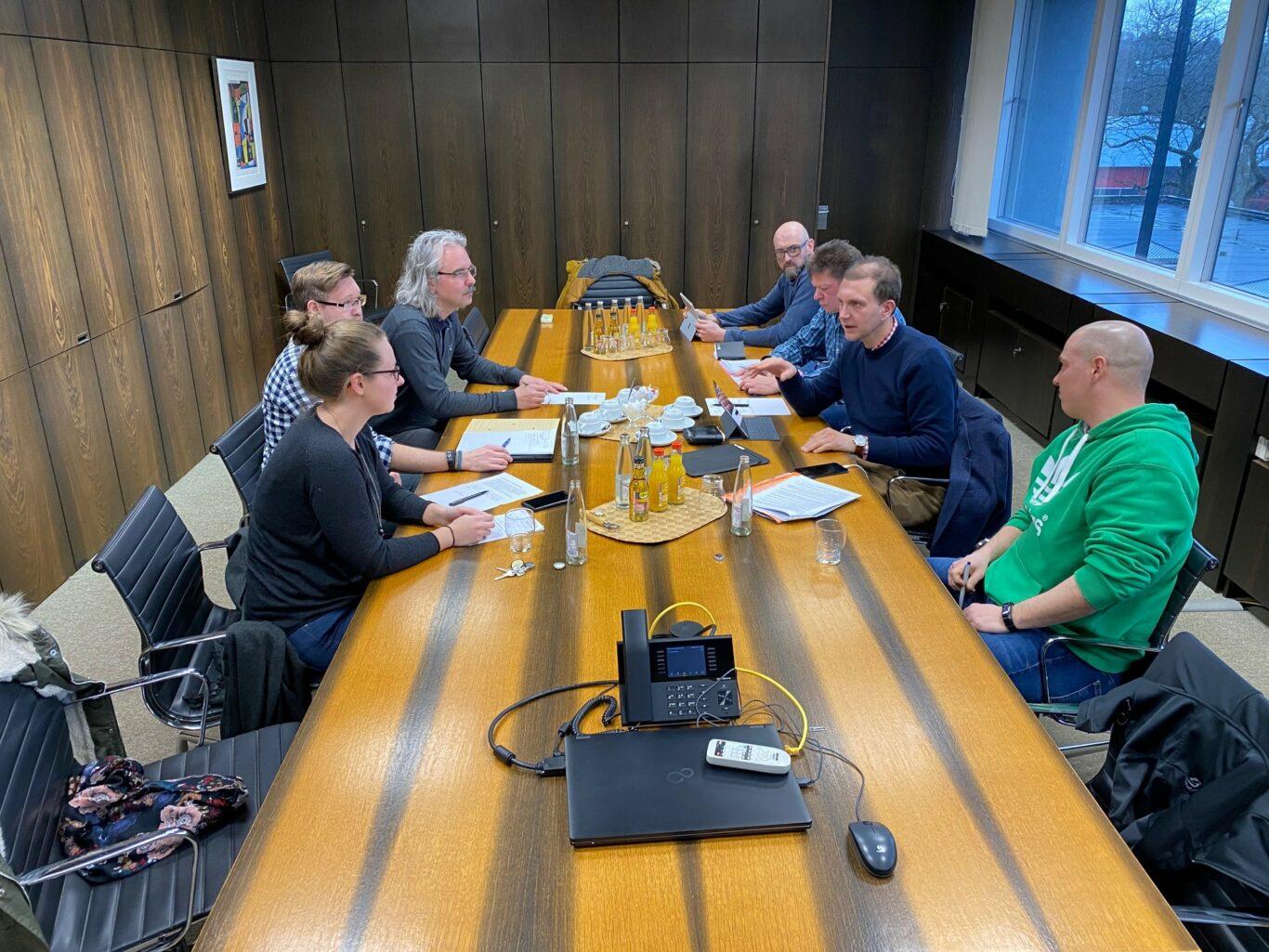 Arbeitsstab trifft sich zur Beratung im Rathaus. Foto Maria Müller-Lang