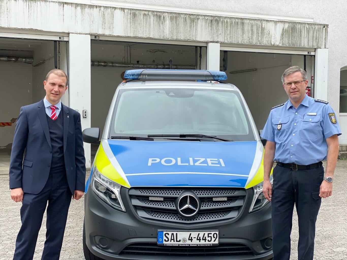 Oberbürgermeister Dr. Ulli Meyer und der stellv. Leiter der Polizeiinspektion St. Ingbert Thorsten Towae | Bild: G. Faragone