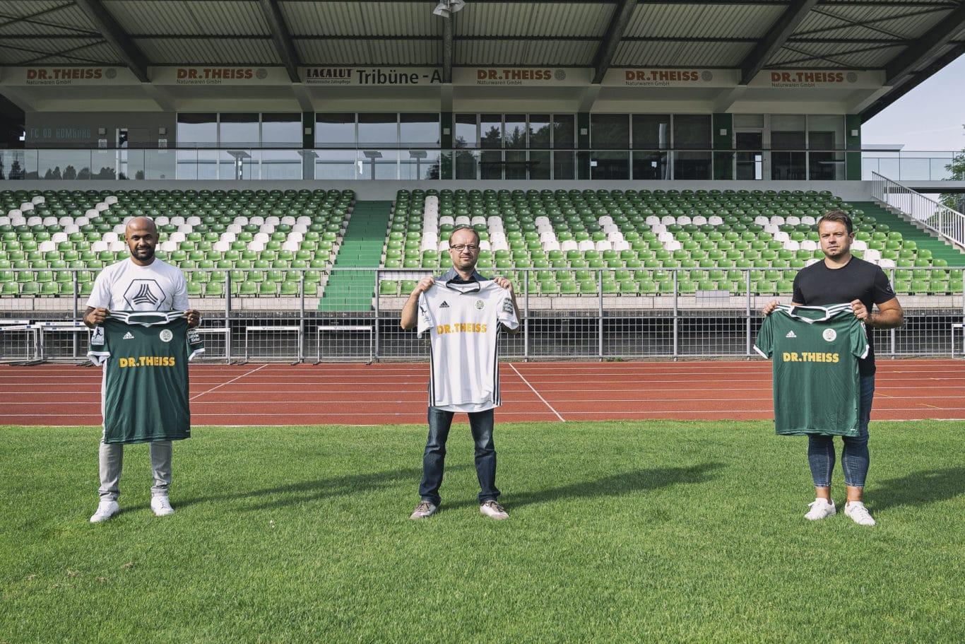 Carithasan Vijayendran (Teamsport Philipp Saar), Rafael Kowollik (FCH-Geschäftsführer), Roland Klose( adidas) | Bild: FC Homburg