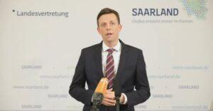 Tobias Hans beim Videostatement am Abend (14.10.2020) | Bild: Livestream Facebook