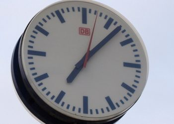 Station clock, about dts