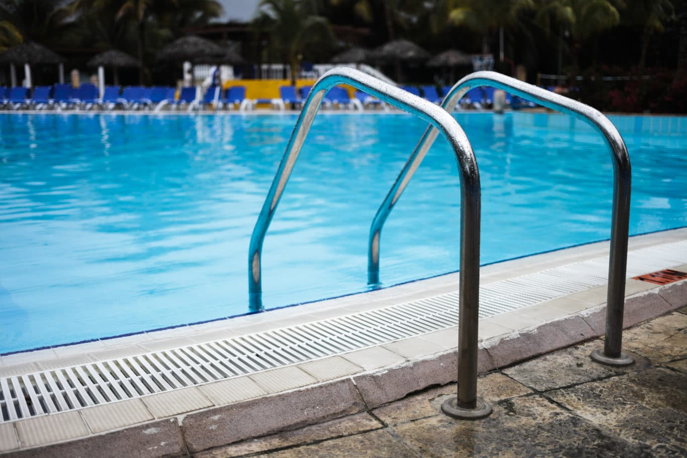 empty swimming pool ladder PEC5DPM