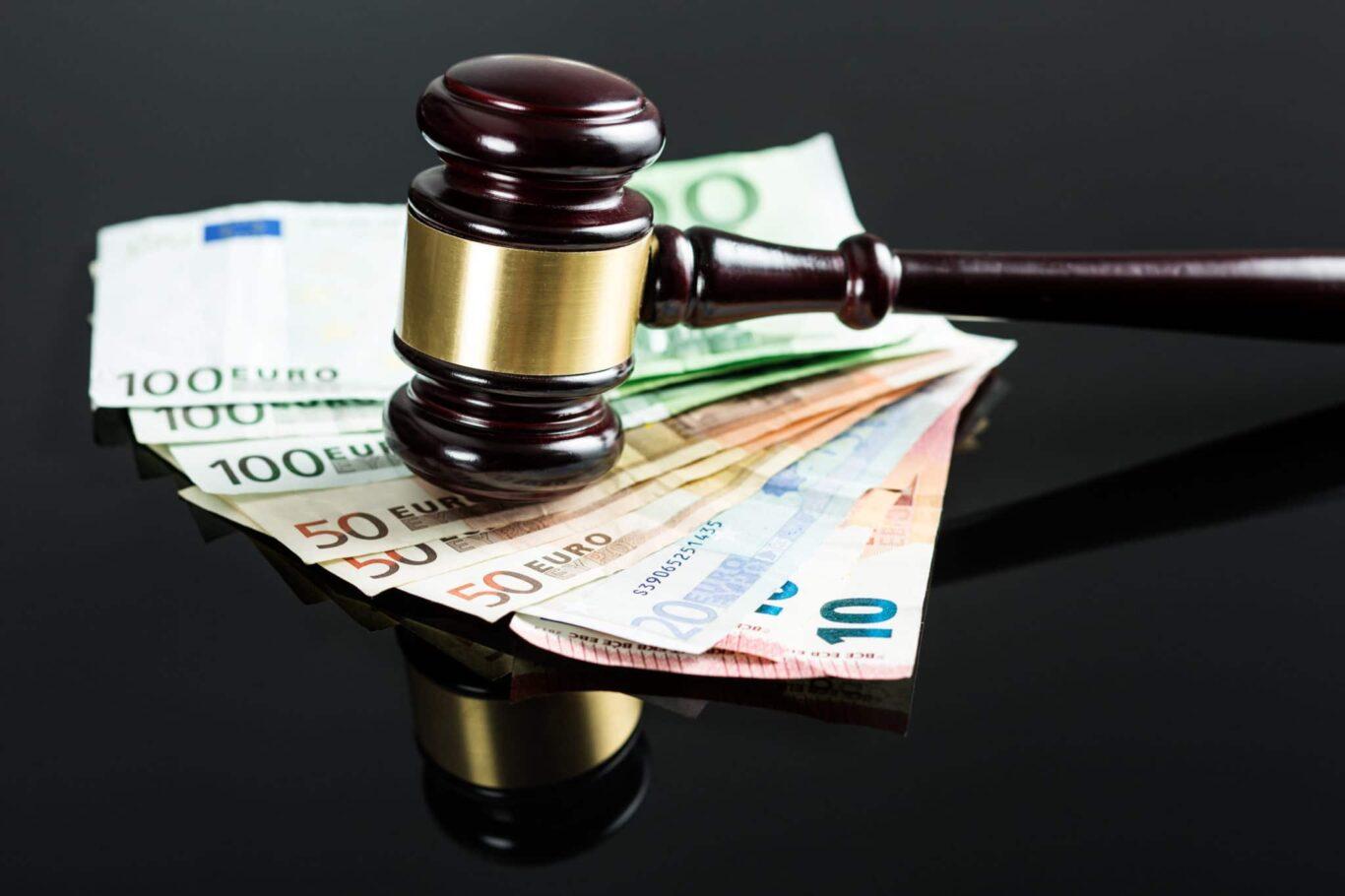Geld Gericht Betrug