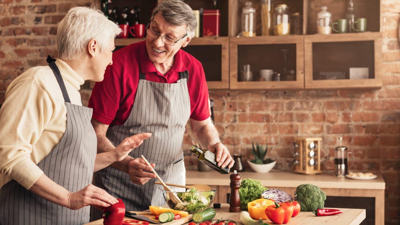 Mangelernährung im Alter - gemeinam Kochen beugt vor