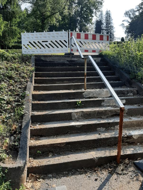 Alte Treppe am Friedhof