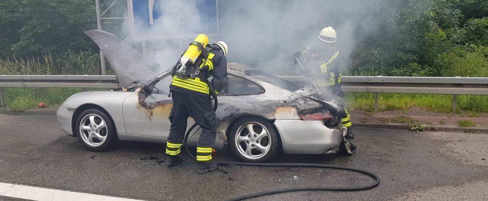 The Porsche was on fire | Image: F.Hoffmann, Fire Brigade IGB