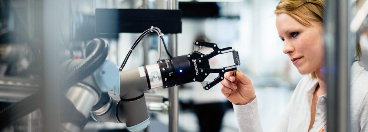 Hand in Hand mit Robotern