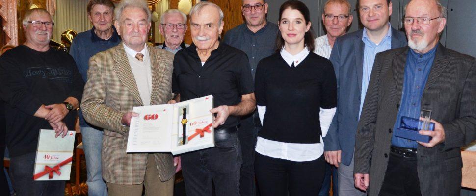 IGBCE Hühnerfeld ehrte seine Mitglieder