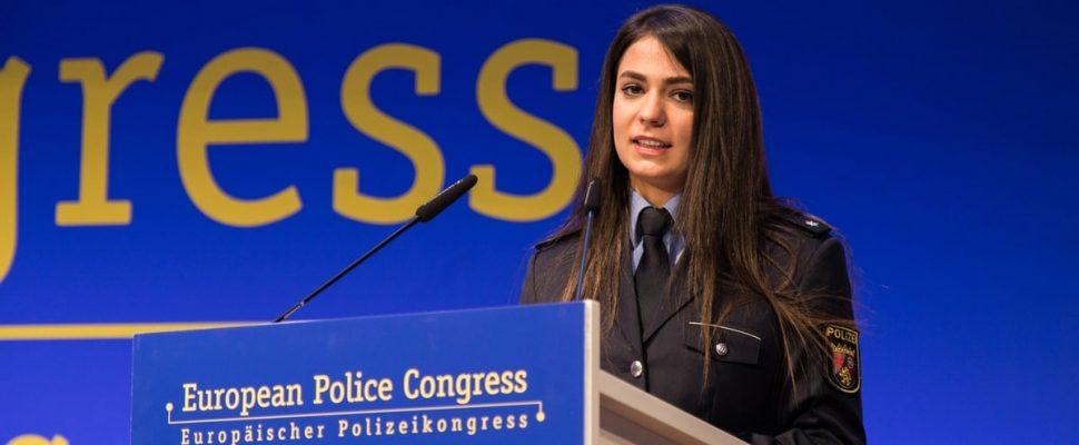 PK`in Miftari en la ceremonia de premiación en Berlín. Foto: Autoridades Spiegel / Giessen | Imagen: Police College