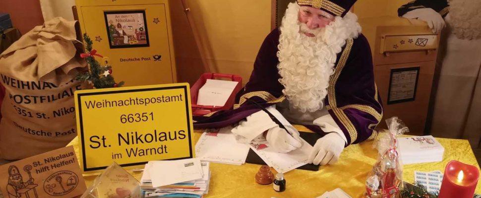 Nikolaus answers children's letters