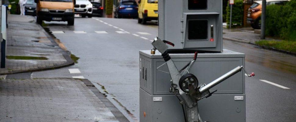 Mobiler Blitzer, aufgenommen in Maybach/Friedrichsthal | Bild: Regio-Journal