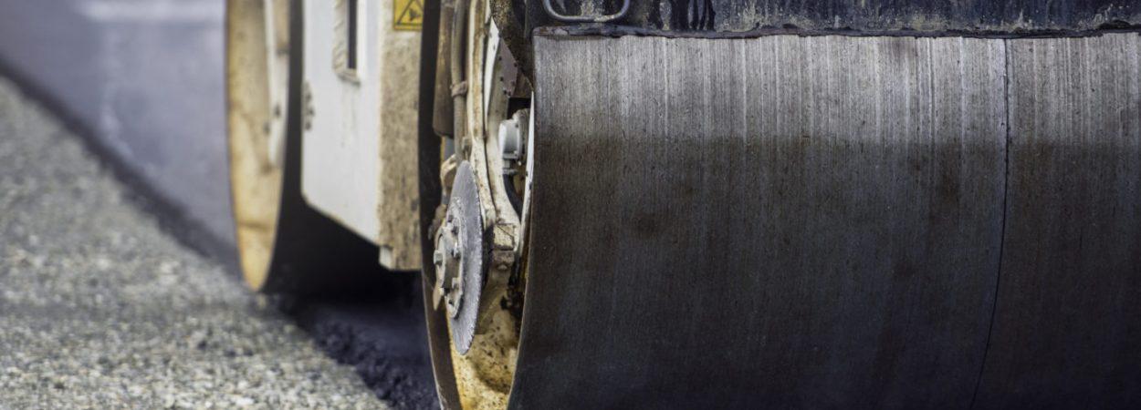 Straßenarbeiten, Teerarbeiten, Straßensperre