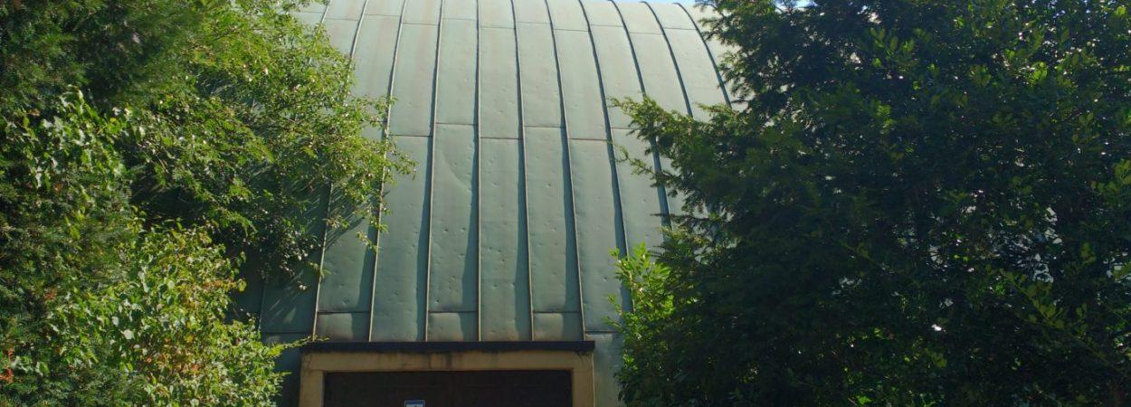 Tonnendach Einsegnungshalle