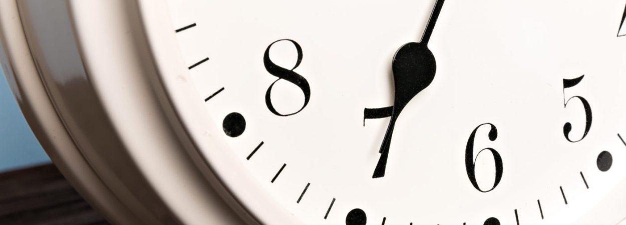 Uhr, Uhrzeit, Zeitumstellung, Zifferblatt
