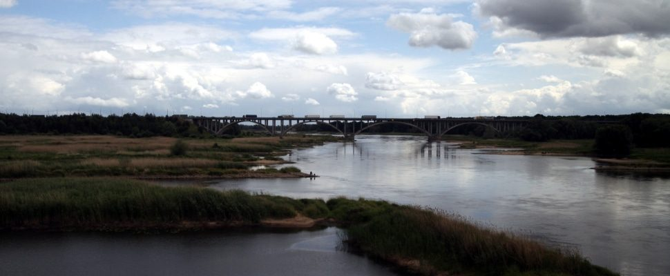 Río Oder en la frontera de Alemania
