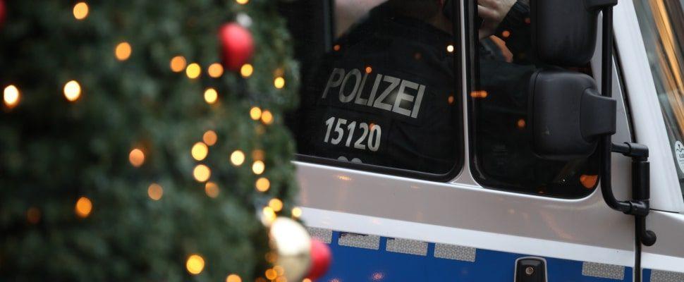 Polizei auf Weihnachtsmarkt, über dts