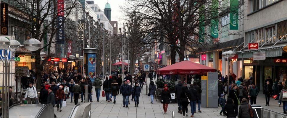 Pedestrian area Stuttgart, about dts