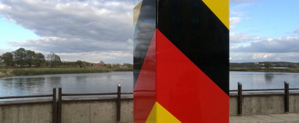 Grenzpfosten, über dts