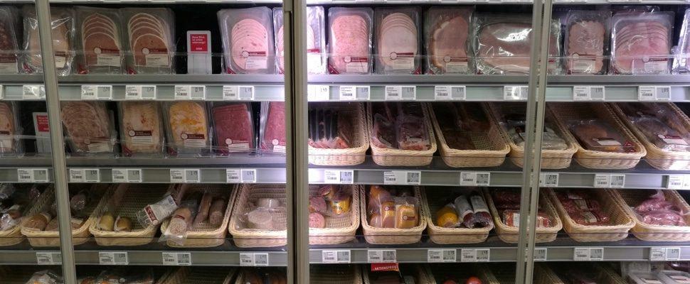 Fleisch und Wurst im Supermarkt, über dts