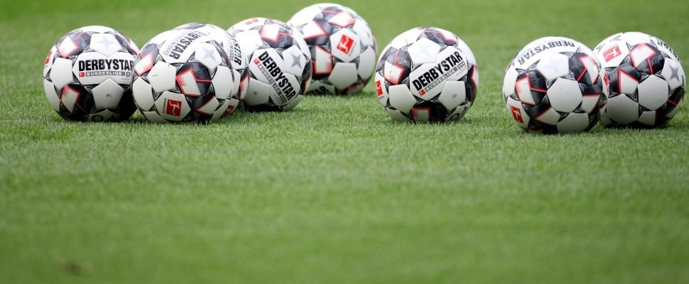 Soccer balls, about dts
