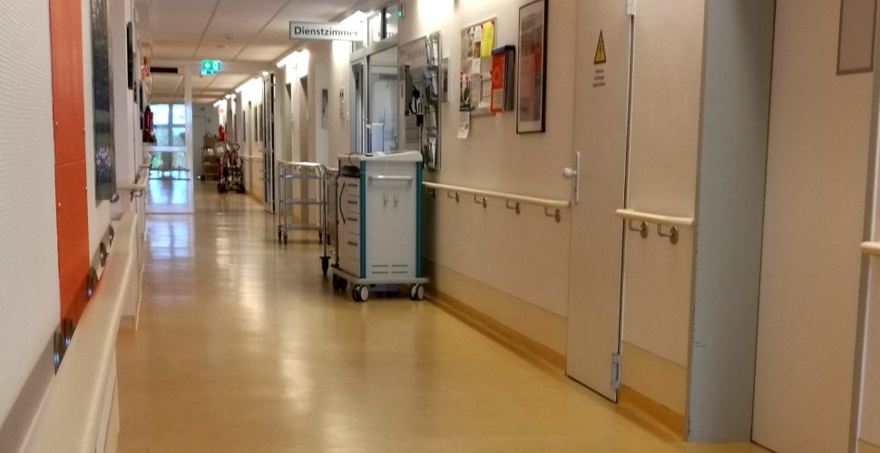 Krankenhausflur, über dts