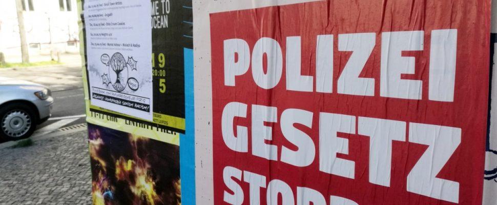 Plakat gegen Polizeigesetz in Leipzig