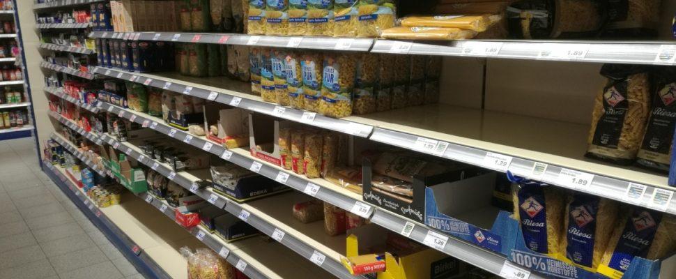 Erste Hamsterkäufe im Supermarkt, über dts