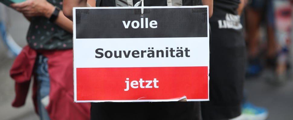 Reichsbürger bei Demo von Corona